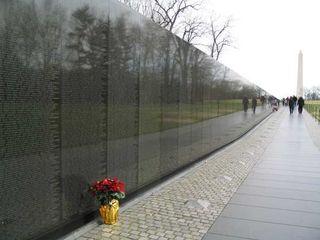 Vietnam_Veteran_Memorial_gross